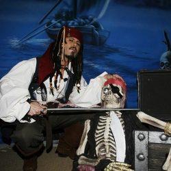 Jack Sparrow w beheading skull